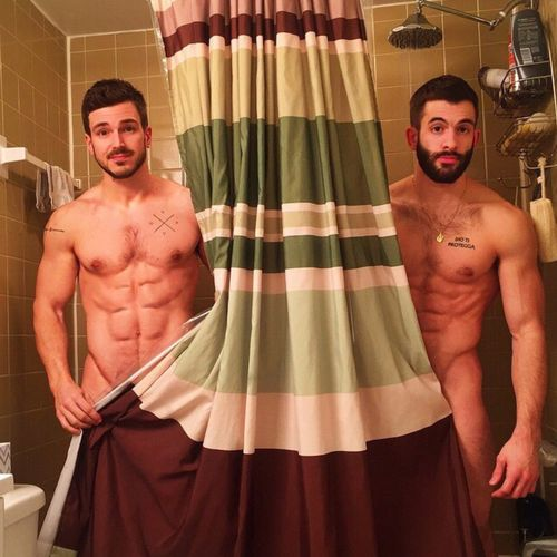 Hunks-shower