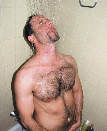 Hairy_hunk_shower