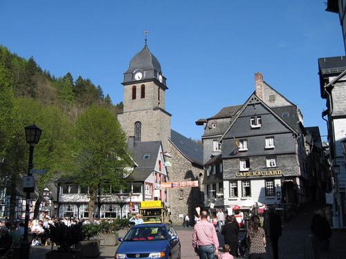 Town_square_monschau